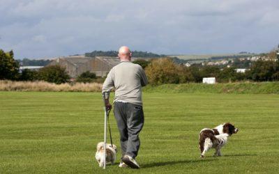 Cómo andar con muletas. Guía para evitar lesiones