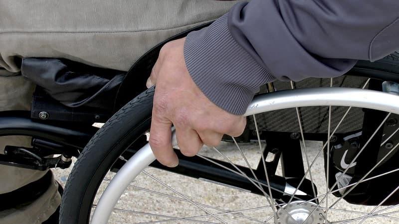 Silla de ruedas plegable: modelos y claves para elegir bien