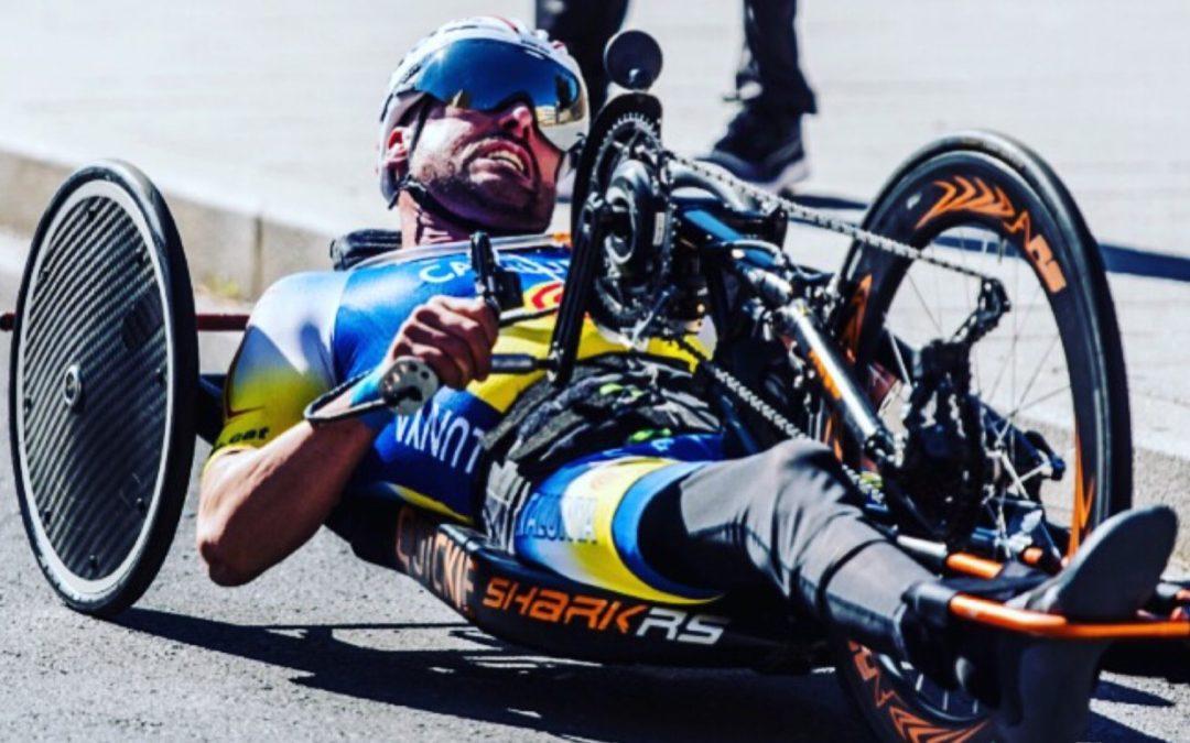 Paraciclista y jugador de pádel adaptado: Isaac Mateos